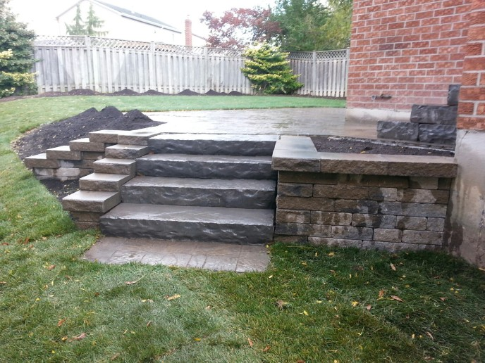 Retaining Wall - Permacon Celtik Wall