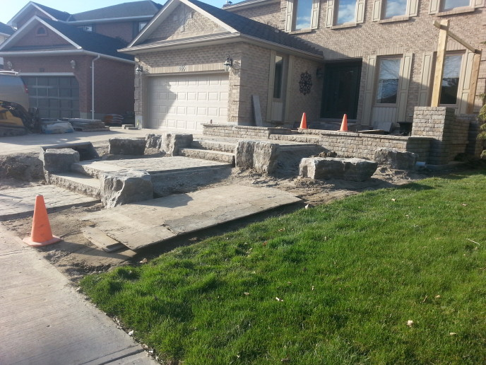 Retaining walls & pillars - Permacon Lafitt Tandem Wall
